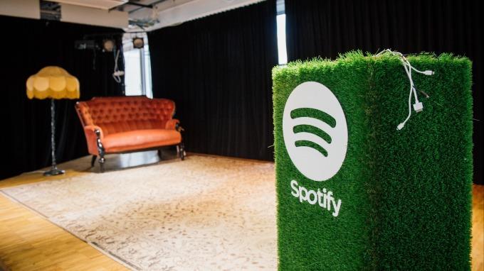 音樂串流服務在數位優先的世界力求生存 首要就是原創內容和套裝服務。(圖:AFP)