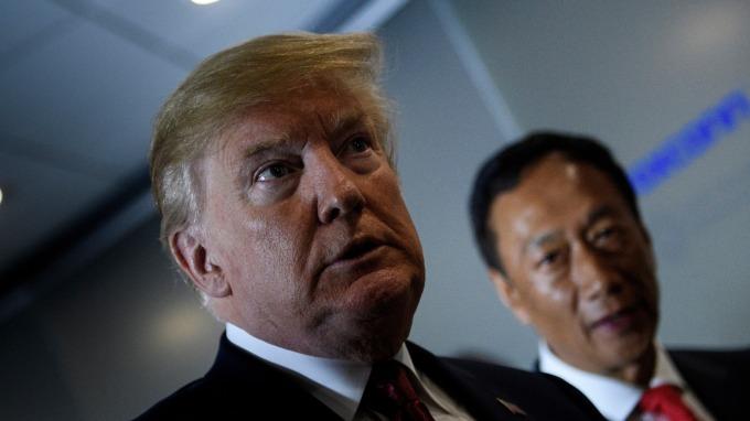 川普說服郭台銘重啟興建威州廠 (圖:AFP)