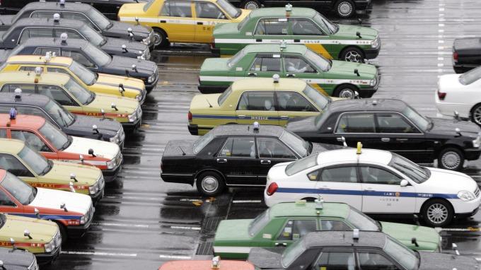 日本將允許計程車業者在乘客搭車前決定好車資費用 (圖:AFP)