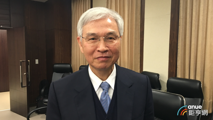 台灣央行總裁楊金龍看內需成為今年經濟成長的關鍵動能。(鉅亨網記者王莞甯攝)