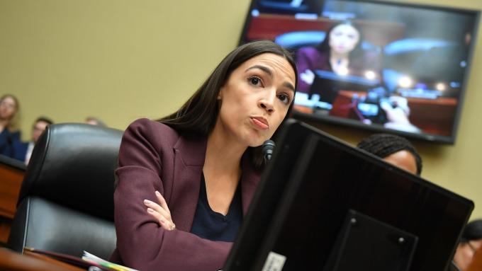 美眾議員Alexandria Ocasio-Cortez支持現代貨幣理論(圖:AFP)