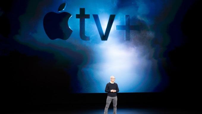 蘋果執行長Tim Cook在於加州Cupertino總部舉行發表會中推出了Apple TV+(圖:AFP)