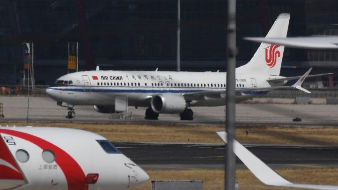 中國民航局已暫停受理波音737 MAX 機型的「適航證」申請。(圖:AFP)