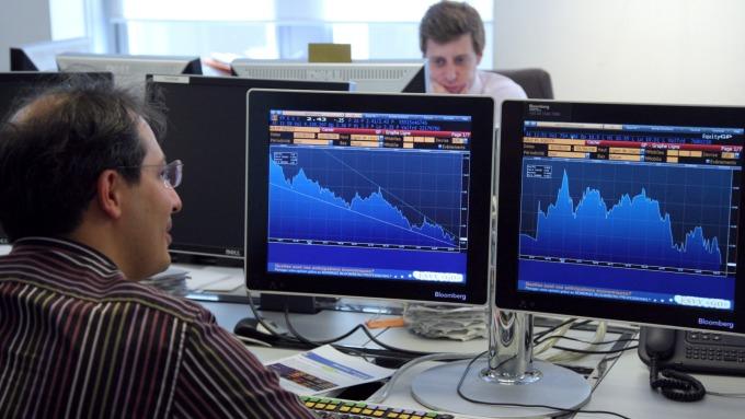 分析師:經濟衰退擔憂雖消退 先別急著買進循環性股票。(圖:AFP)