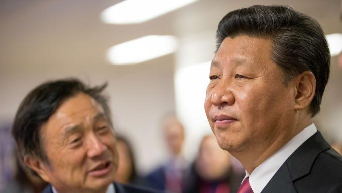華為創始人任正非(左)和中國國家主席習近平。(圖:AFP)