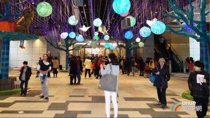 捷運南港、松山站都有潤泰經營的CITYLINK百貨營運中。(鉅亨網記者張欽發攝)