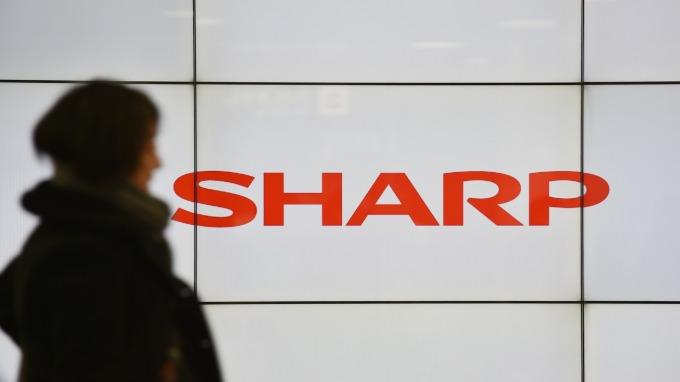 日刊工業新聞:鴻海已將夏普的健康保健業務 Sharp Life Science Corporation 售予Air Water (圖:AFP)