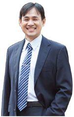 國立清華大學科技管理研究所教授兼清華 EMBA 執行長 丘宏昌