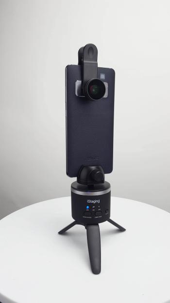 搭配愛實境 720 度鏡頭以及自轉儀,手機搖身一變成為強大 VR 相機,輕鬆創造任何空間的 360 度 VR 實境體驗。