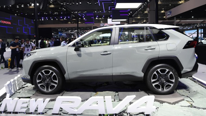 上月日本主要六車廠,在美國新車銷量年減0.2% (圖為豐田全新RAV4) (圖:AFP)