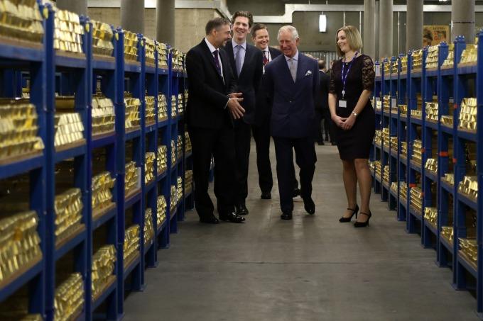 各國央行紛紛買入黃金 (圖: AFP)