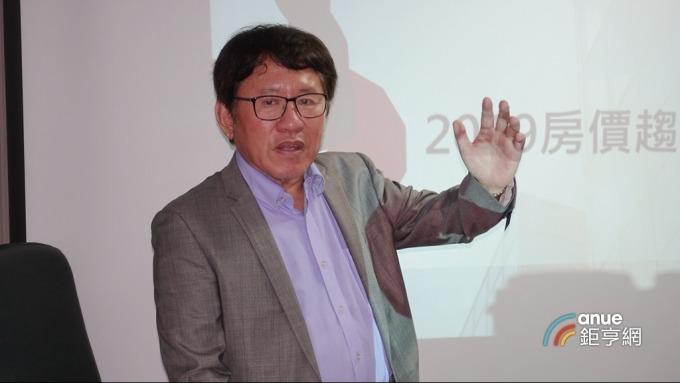 雙北老屋改建協會理事長胡偉良。(鉅亨網記者張欽發攝)