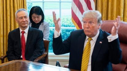 高盛:川普加徵的中國關稅完全落在美國企業和家庭肩上。(圖:AFP)