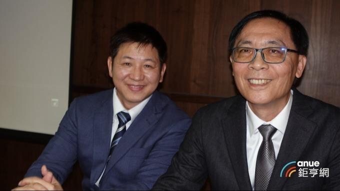 牧德科技董事長汪光夏(右)及總經理陳復生。(鉅亨網記者張欽發攝)