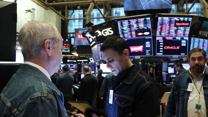 (圖片:AFP) 川普延後開徵汽車關稅 歐洲股市收高