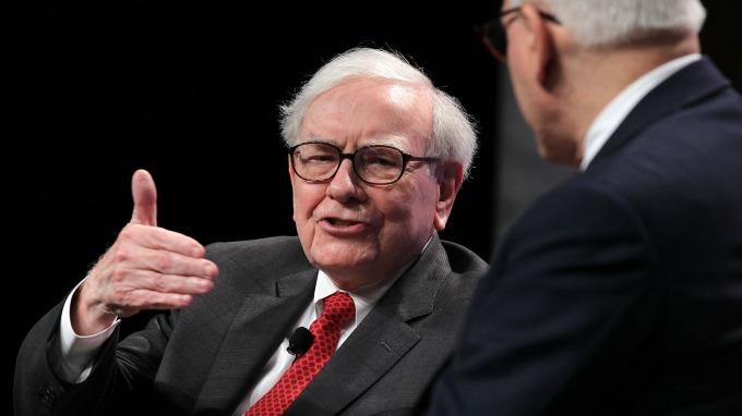 謎底揭曉!巴菲特的波克夏控股持有9億美元亞馬遜股票。(圖:AFP)