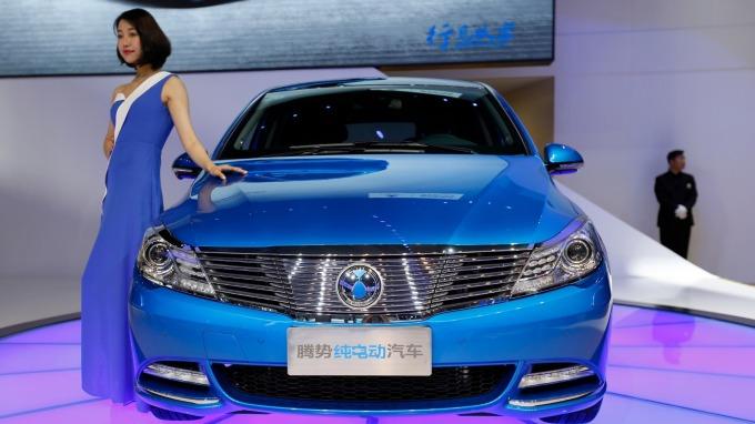 彭博:中國電動車銷量在明年將達200萬輛! (圖片:AFP)