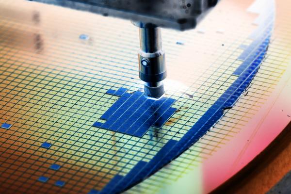在特定頻率下,晶片功耗的降低是一項重要指標,因為惟有晶片的整體耗能改善,才有機會提升晶片性能。