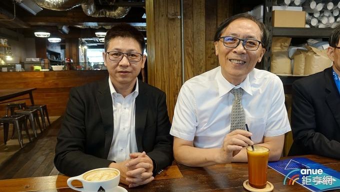 牧德科技總經理陳復生(左)及董事長汪光夏。(鉅亨網記者張欽發攝)