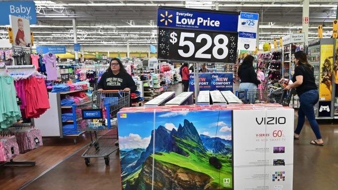 美中貿易戰打下去 美國家庭額外支出增加一倍。(圖:AFP)