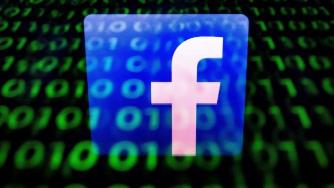 臉書在半年內刪除了34億個假帳號(圖片:AFP)