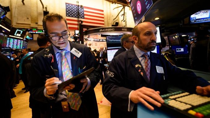 野村警告:三大因素可能市場拋售的第二次浪潮。(圖片:AFP)