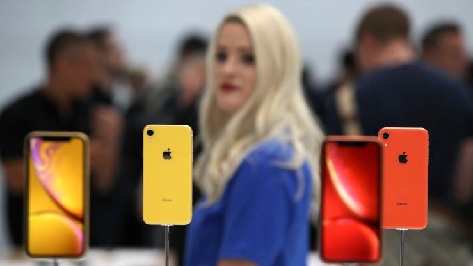 美券商:Q3舊款iPhone訂單將縮減。(圖片:AFP)