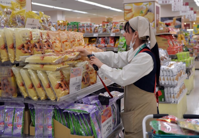 日本亞馬遜與超市業者合作`,推出2小時速配服務