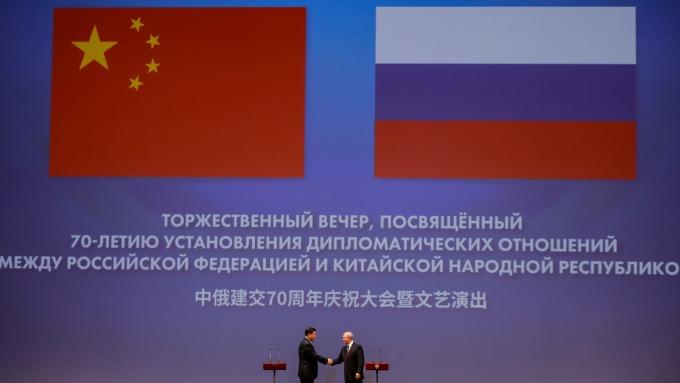 聯俄抗美!習近平出訪俄羅斯(圖片:AFP)