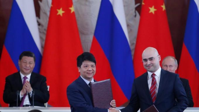 華為反超諾基亞的關鍵戰役,便是週三與俄電信大廠 MTS 簽訂的 5G 合約。(圖片:AFP)
