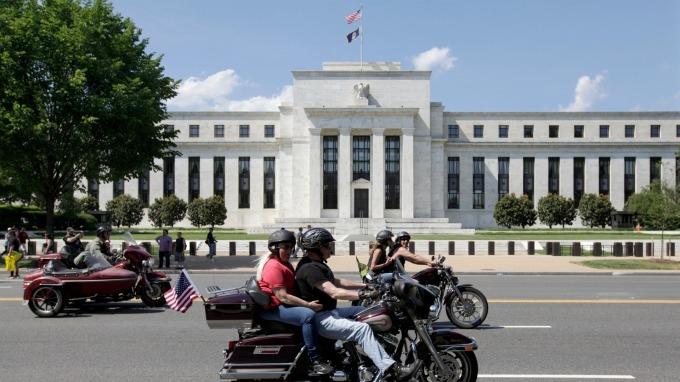 Pimco:若貿易戰繼續打下去 Fed最快7月前就會降息(圖:AFP)