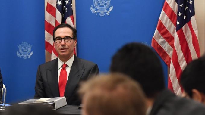 梅努欽:美國經濟是全球亮點 看不出任何衰退跡象(圖:AFP)