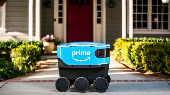 AI模擬送貨情境,亞馬遜加速開發送貨機器人。(圖片:AFP)