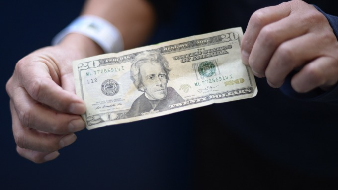 德銀:川普痛批強勢美元的推文影響深遠(圖:AFP)