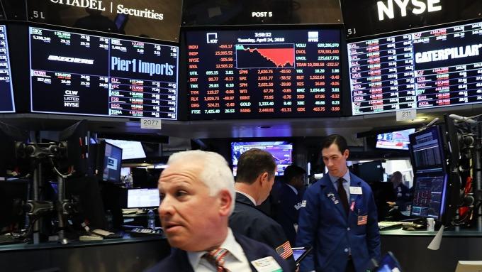 美股盤前─指數期貨溫和走低 等待美國CPI報告 (圖片:AFP)