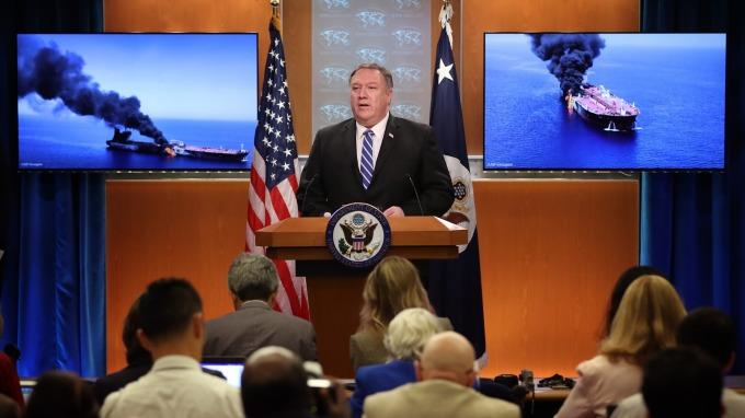 美國國務卿蓬佩奧指控週四油輪遇襲真兇是伊朗。(圖片:AFP)