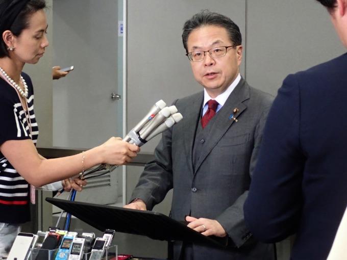 〈油輪遇襲〉日本經濟產業大臣:日本能源調度安定、持續關注原油價格。(圖片:AFP)