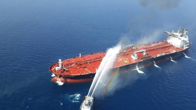 油輪襲擊事件的另層意義:為亞洲各國敲醒喪鐘  (圖片: AFP)