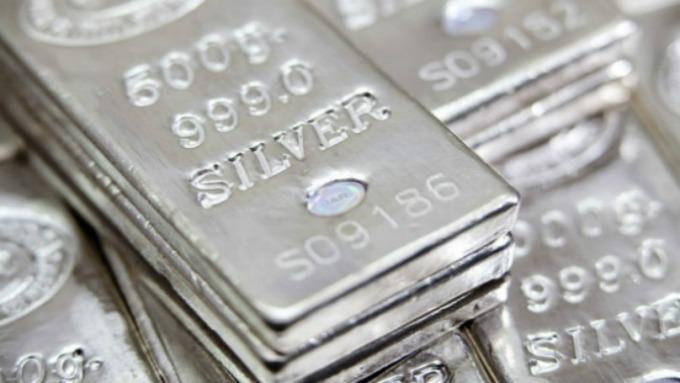 天賜良機!白銀可能會在今年下半年大放異彩。(圖片:AFP)