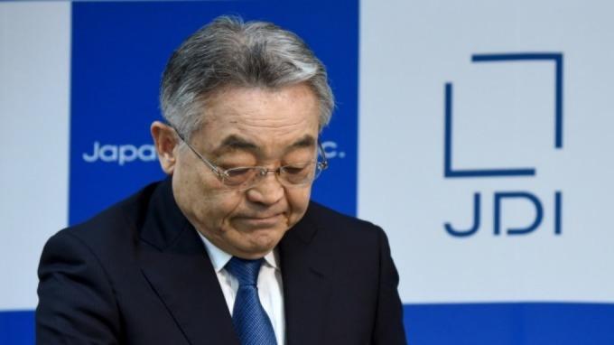 圖為 JDI 前任社長東入來信博 (圖:AFP)