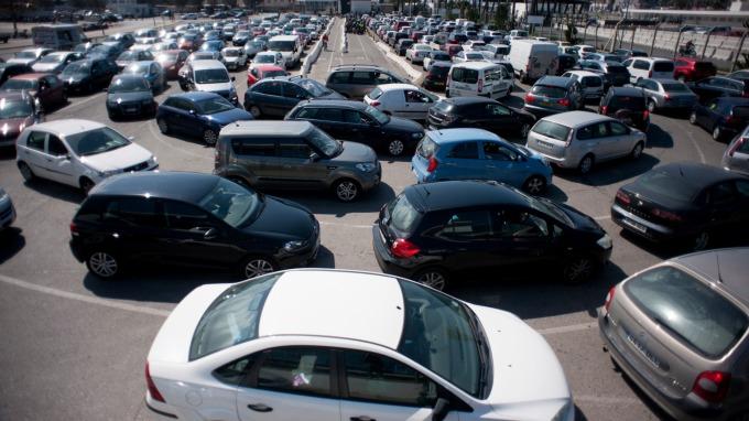 5月歐盟新車掛牌數微幅增加,是近9個月來首次出現正成長。(圖片:AFP)