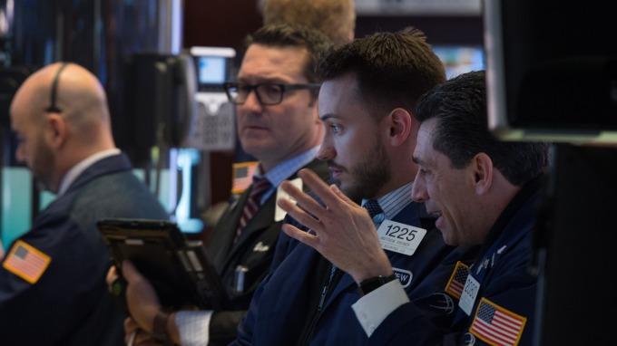 美銀美林最新調查顯示,基金經理對全球股票的配置占比大幅減少。(圖片:AFP)