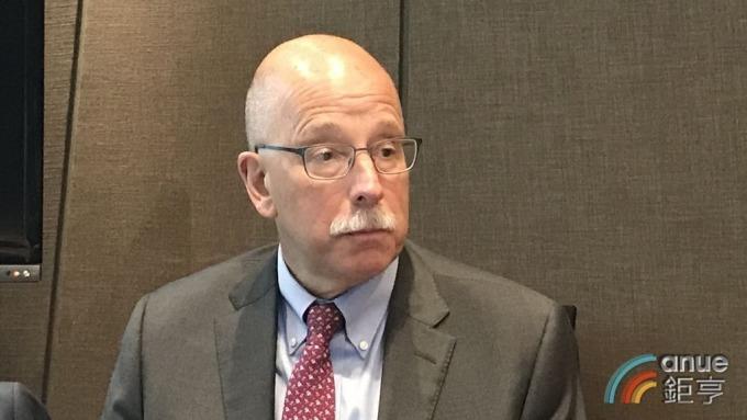 美盛西方資產管理投資組合經理人Mark Lindbloom。(鉅亨網記者郭幸宜攝)
