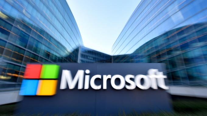 微軟市值破兆 多頭分析師:基於2大理由 還能再上衝(圖片:AFP)