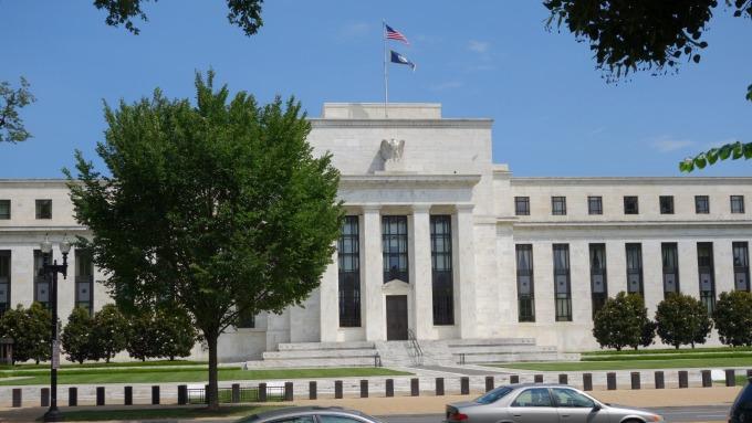 聯準會鴿派表態 10年期美債殖利率跌破2%關卡(圖片:AFP)