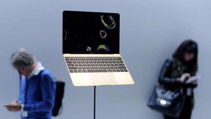 筆電會起火!蘋果火速召回15吋MacBook Pro筆電。(圖片:AFP)
