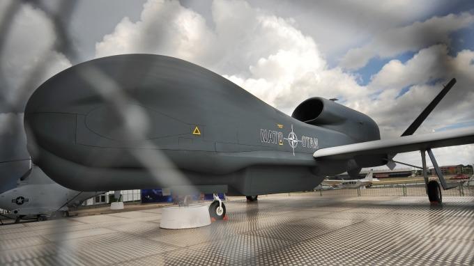 伊朗擊落美軍無人偵察機,該消息使油價應聲大漲。(圖片:AFP)