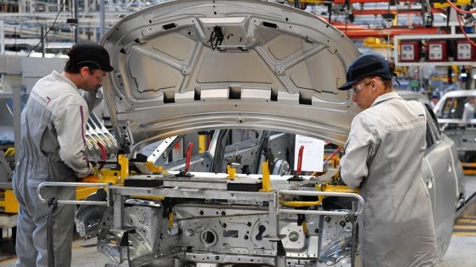 美國6月製造業採購經理指數(PMI)下降至50.1 美元指數跌破96.50 (圖片:AFP)