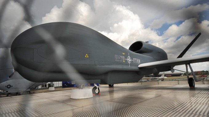 德黑蘭當局放話,擊落美軍無人偵察機的戲碼,可能重演。(圖片:AFP)
