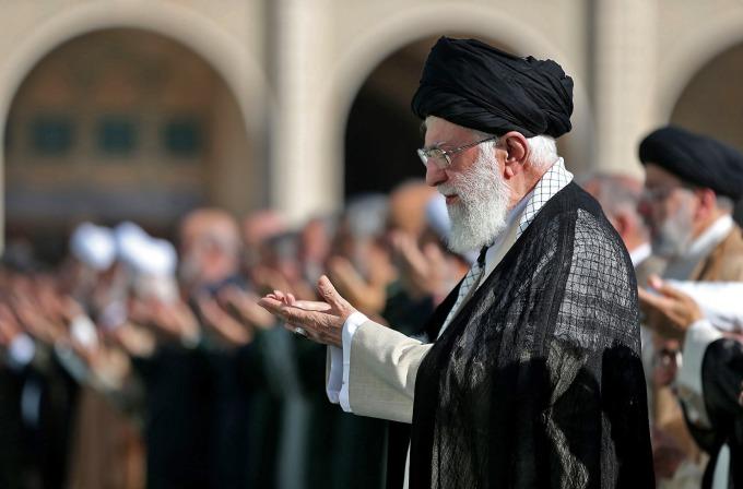 美國祭出的新一波制裁,將使哈米尼無法獲得財政資源。(圖片:AFP)